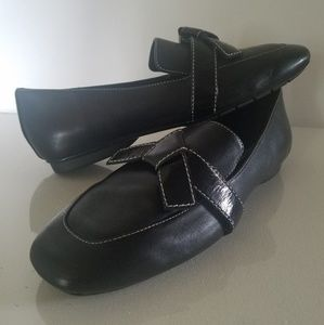 Donald J Pliner Leather Loafers